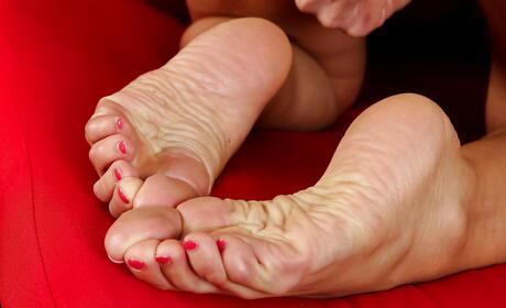 Mature Foot Fetish Photos