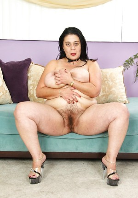 Fat Mature Pussy Photos