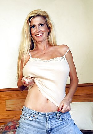Busty Mature in Jeans Photos