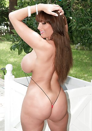 Bikini Mature Photos