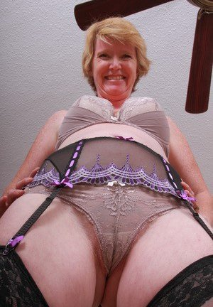 Mature Cameltoe Photos