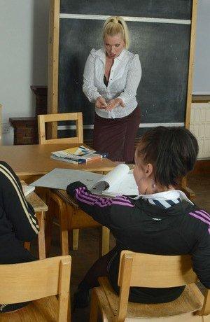 Schoolgirl Mature Photos